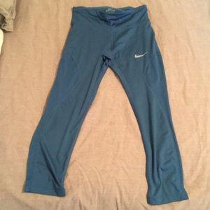 Nike DriFit XS Cropped Leggings